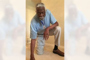 Bill Russell Stands Behind NFL Players Kneeling