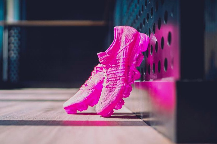 Nike Air VaporMax Triple Pink