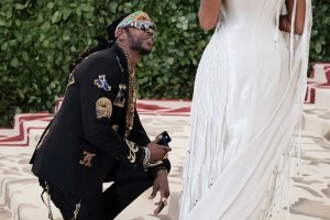 2 Chainz proposes to girlfriend