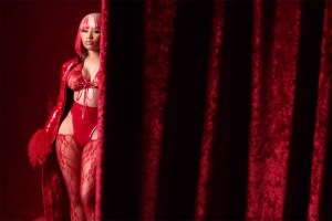 Nicki Minaj Good Form Video