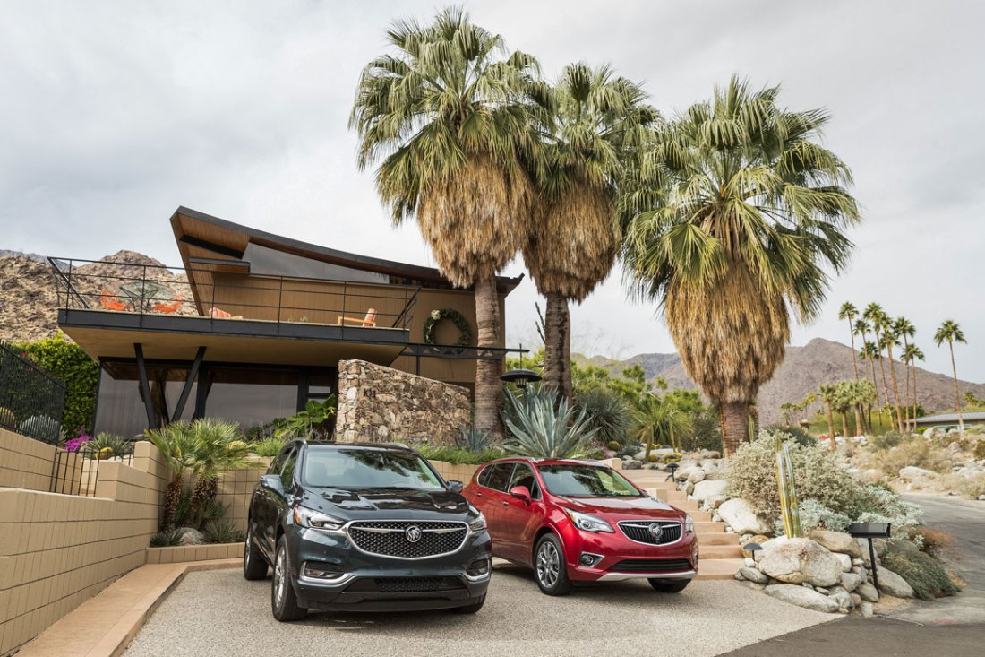 Buick in the desert 2018