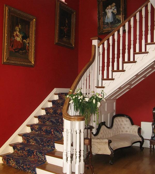 Mahogany-stairs-ballingearyjoinery.ie8.JPG