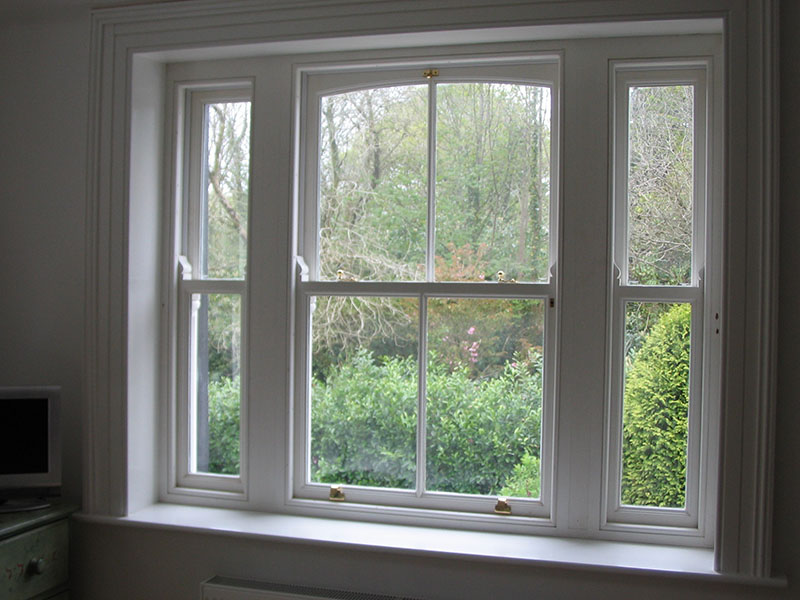 Sliding-sash-window-ballingearyjoinery.ie3.JPG