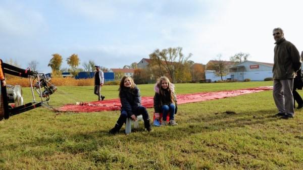 Mädchen mädels girls Ballon Fahrt in Sachsen Meerane crimmitschau glauchau Chemnitz. Lorenz Ballonfahrten Ballonscheune Sachsen
