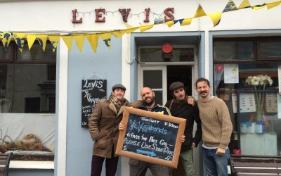 Levis' Corner House Bar