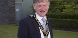 mayor's-congratulations-for-queen's-award-winners