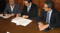 Firma del convenio entre Quesos Cerrato y Ayuntamiento