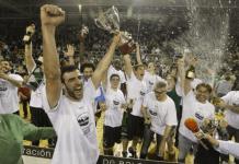 Cáceres celebra un merecido ascenso a LEB Oro. Imagen Cáceres Ciudad de Baloncesto