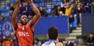 Mousse Kone con la camiseta de Basket Navarra. Fotos de Javier Herrero (Basket Navarra)