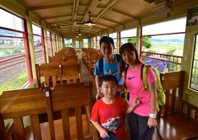 Sagano Scenic Railway train cabin @2015