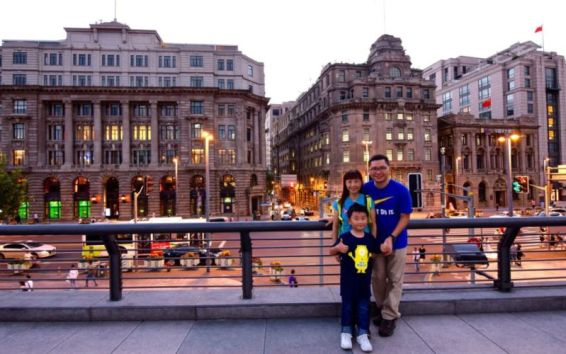 Hotspot for wedding photography at The Bund (facing west), Shanghai @2015