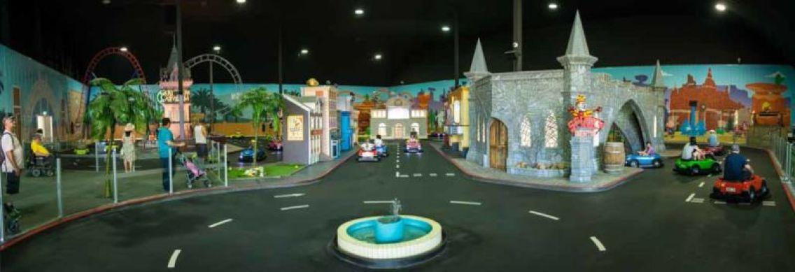 The indoor Junior Driving School