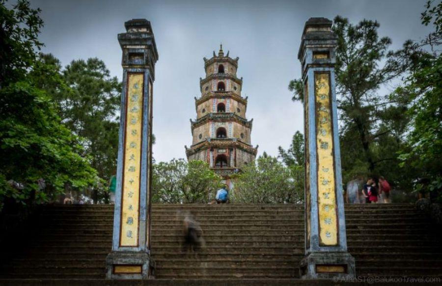 Thiên Mụ Pagoda. Hue, Central Vietnam.