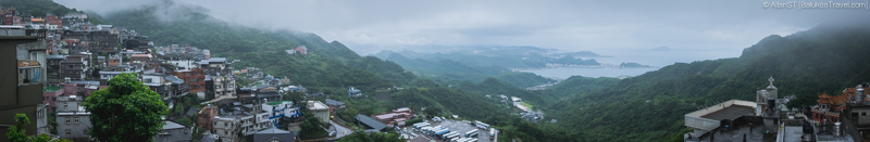 Panoramic view from Jiufen Old Street viewing platform (in front of 7-Eleven) (Taiwan) @2016