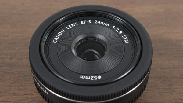 Used Canon EF-S 24mm 1:2.8 STM Lens