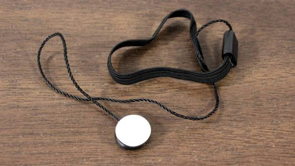 Elastic strap for 49mm lens cap