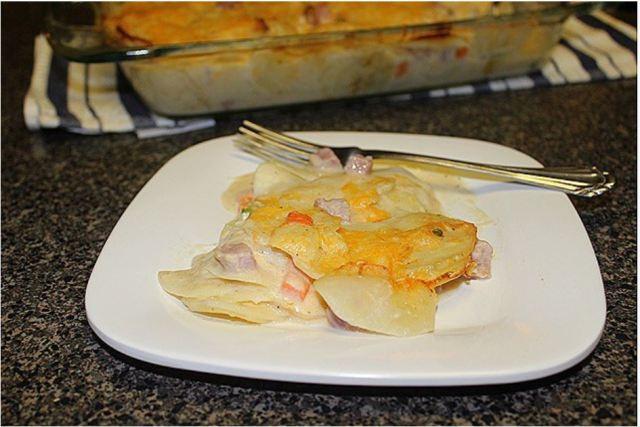 sour-cream-scalloped-potatoes