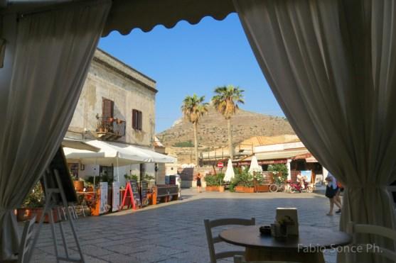 la piazzetta di Favignana