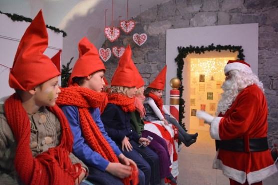 Babbo Natale E Gli Elfi.A Casa Di Babbo Natale A Riva Del Garda Bambiniconlavaligia Com
