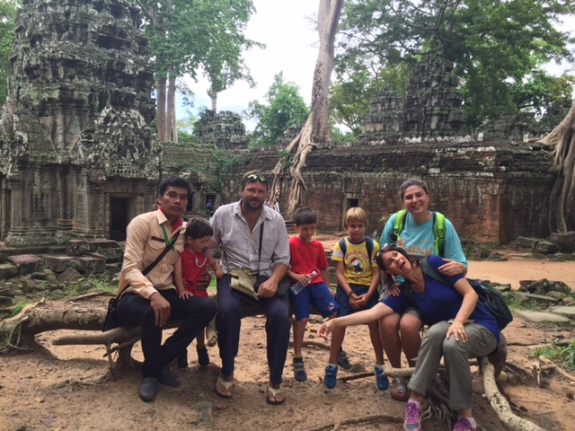 cambogia con bambini