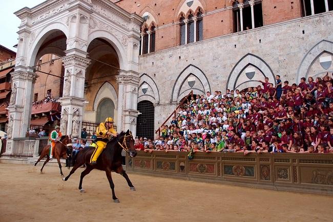 Le tradizioni Toscane, il Palio di Siena