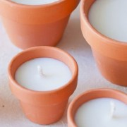Riutilizzare i vasetti di terracotta: le Candele fai da te