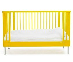 BRIO 'Sleep' Cotbed yellow