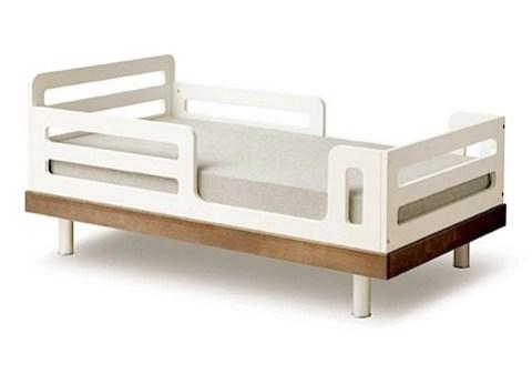 Classic Junior Bed - Walnut Classic Junior Bed - Walnut Classic Junior Bed oeuf nyc