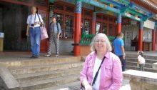 Ulrike am Drachentor Kunming