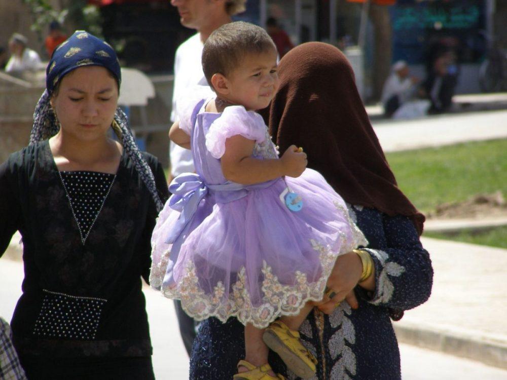 Schleier in Kashgar 2007