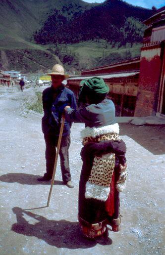 Die Tibeterin mit dem Leopardenfell