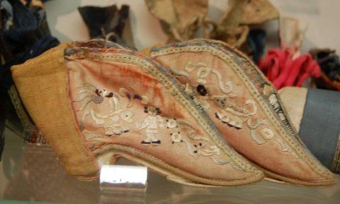 Schuhe für die Lotusfüße