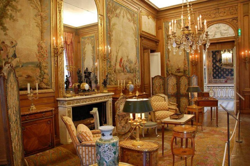 Paris Villa