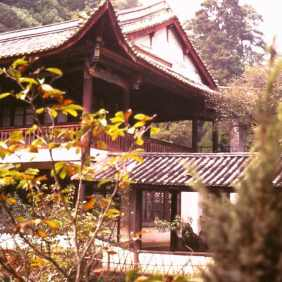 Tempel beim Dragons Gate