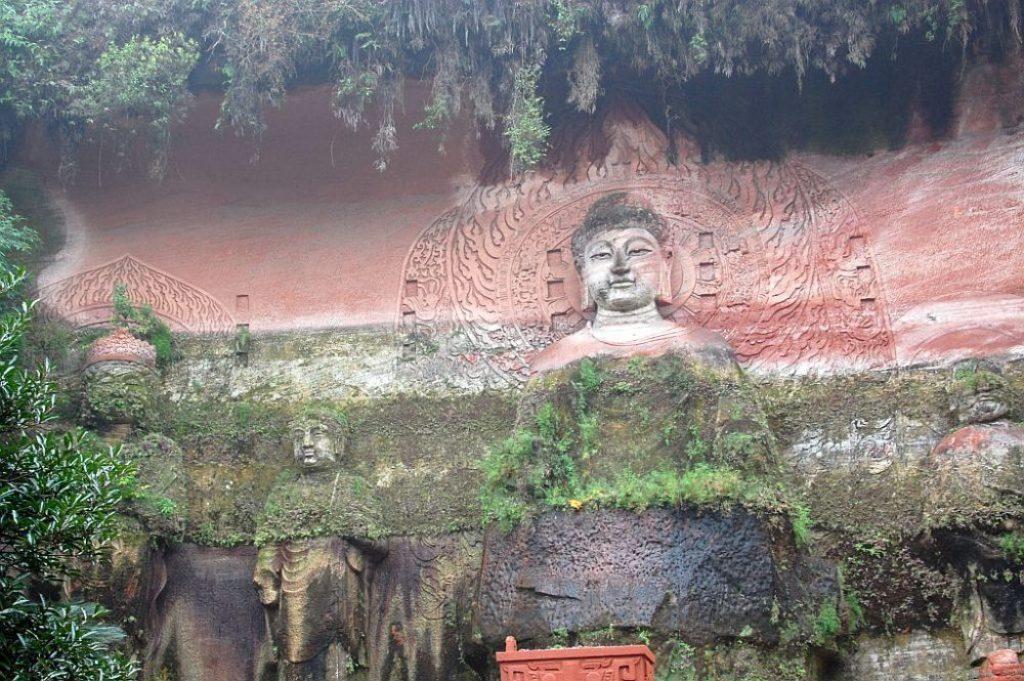 Buddha Reliefs in der Oriental Buddha Capital Leshan