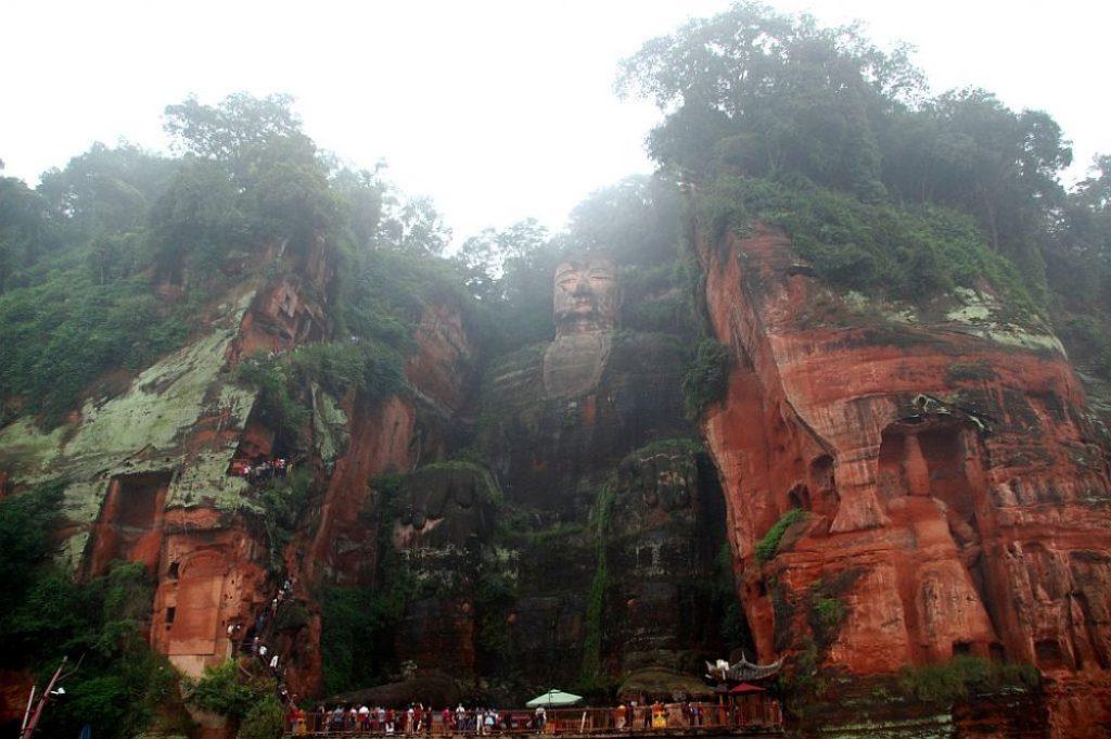 leshan-buddha-gesamt