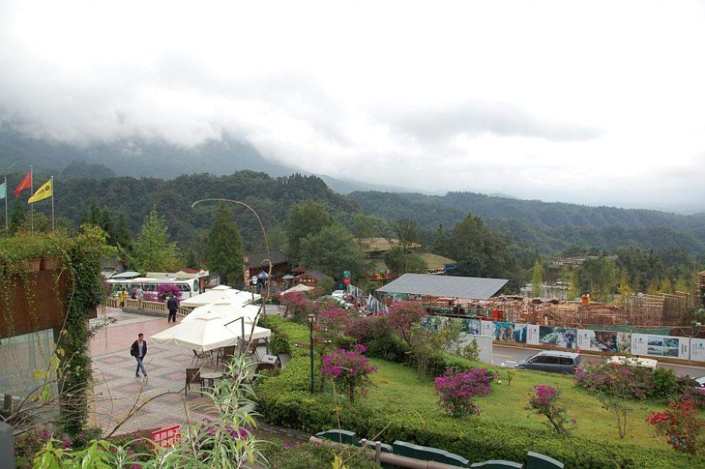 Touristenzentrum mit schönem Blick auf die Berge