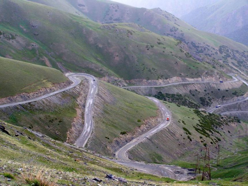 Haarnadelkurven des Pamir Highways