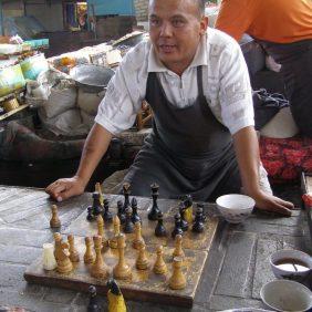 Auf dem Bazar - Schachspieler