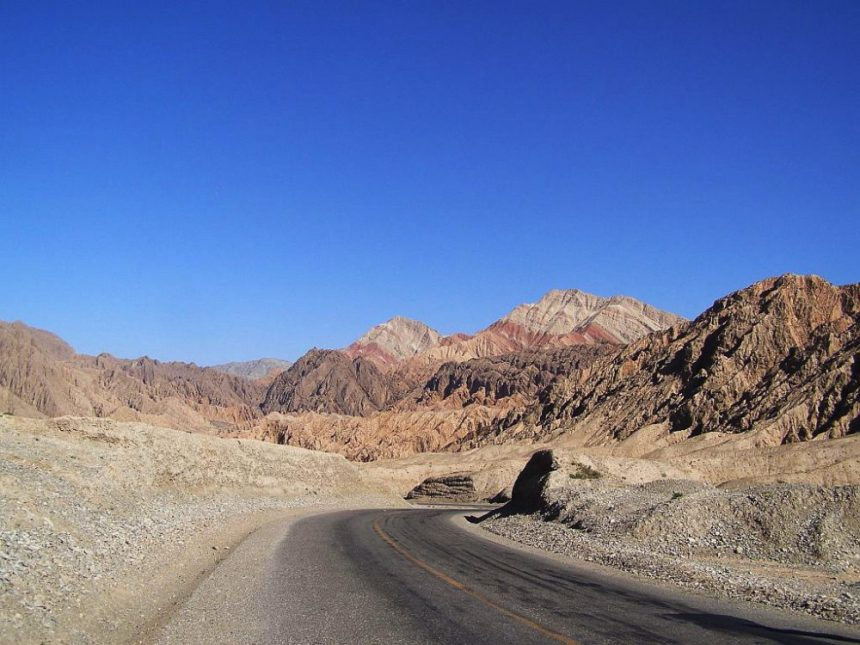 Unterwegs in die Berge am Irkeshtam-Pass
