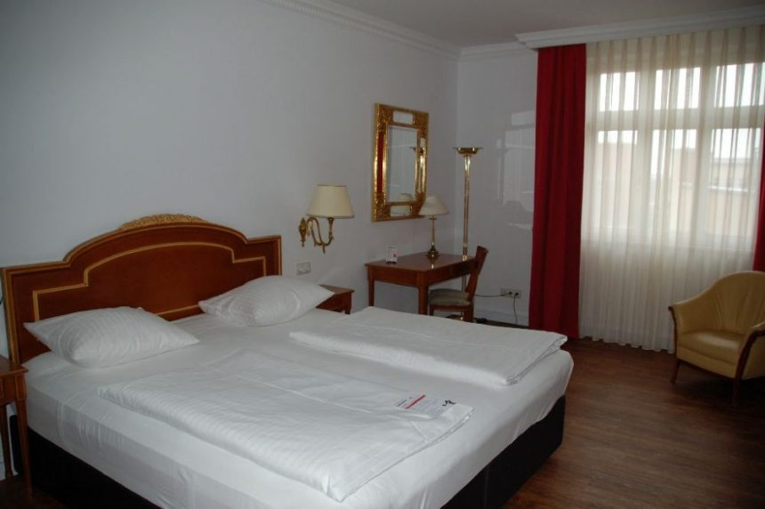 Dormero Hotel Rotes Ross Zimmer