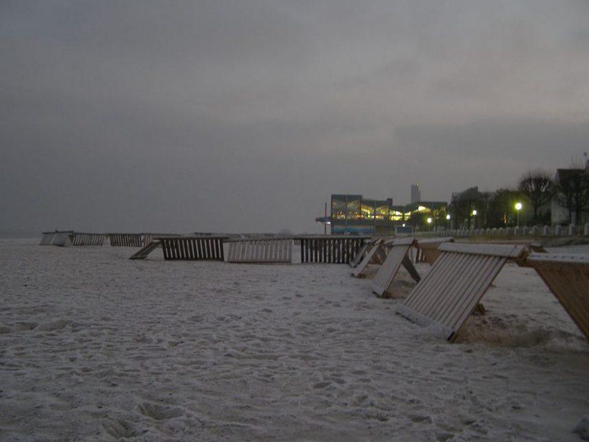 Laboe - Strand in der Abenddämmerung