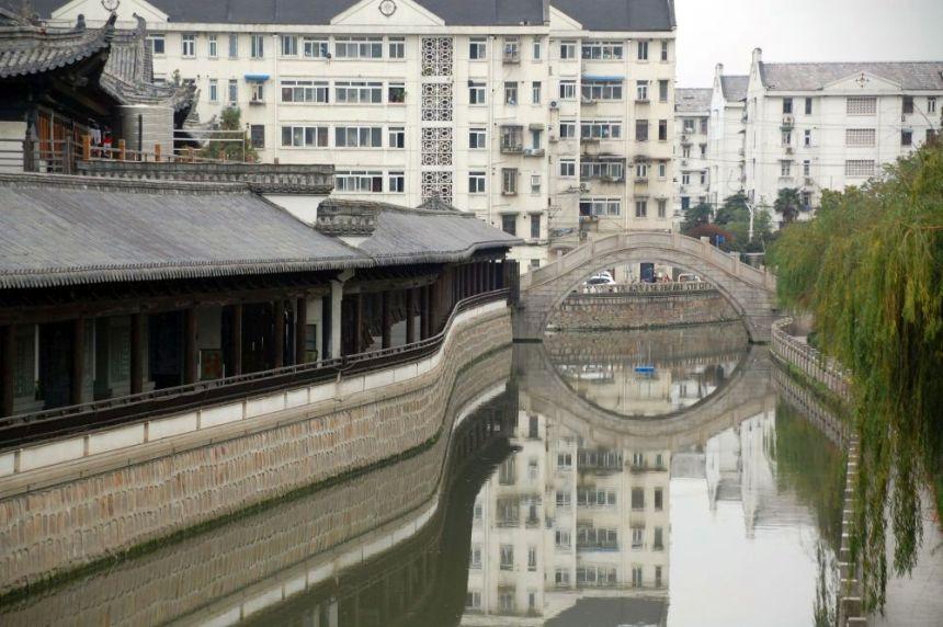 Beim Zhenru Tempel Brücke