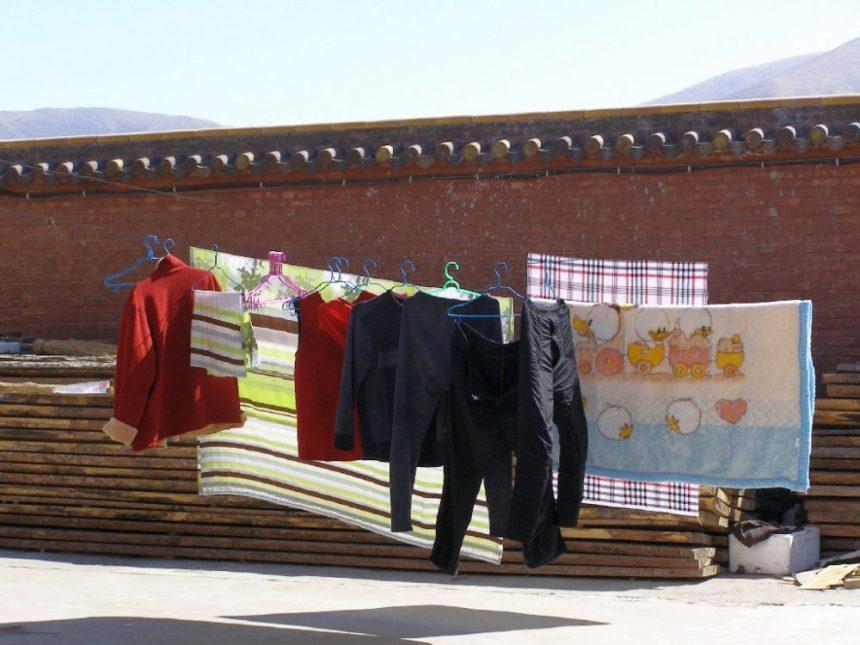 Wutai Shan - Laken beim Trocknen auf der Leine