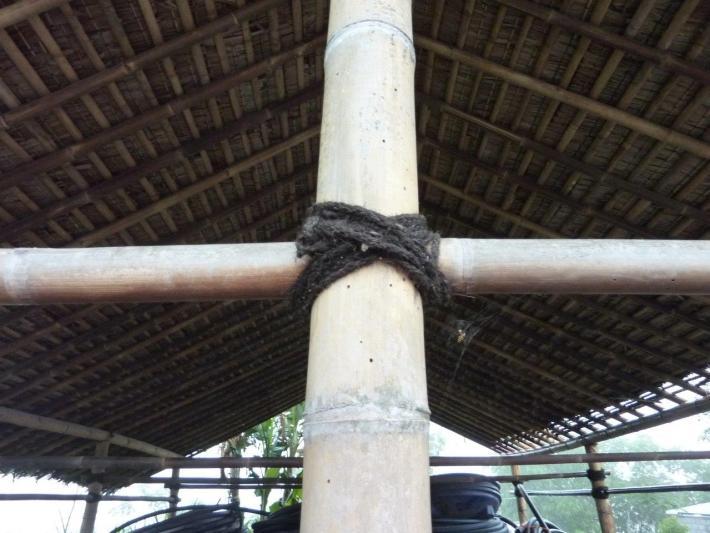 Bambusstäbe mit traditioneller Verbindung