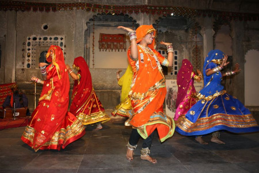Traditional Dance forms at Mewar Festival.