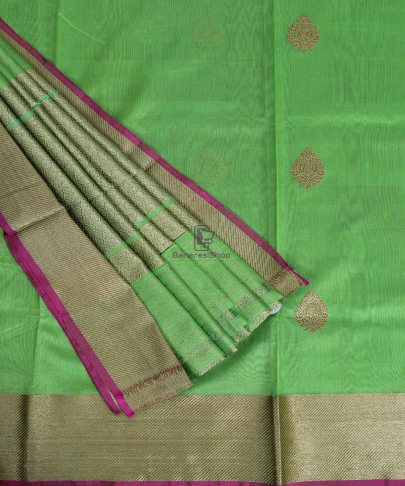 Banarasi Pure Handloom Silk Cotton Lime Green Saree 3