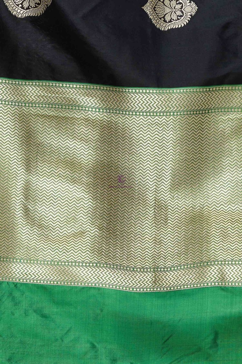 Handloom Banarasi Pure Katan Silk Dupatta in Black and Green 3