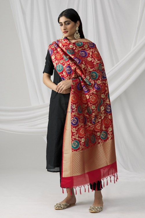 Woven Banarasi Art Silk Kimkhab Dupatta in Red 6