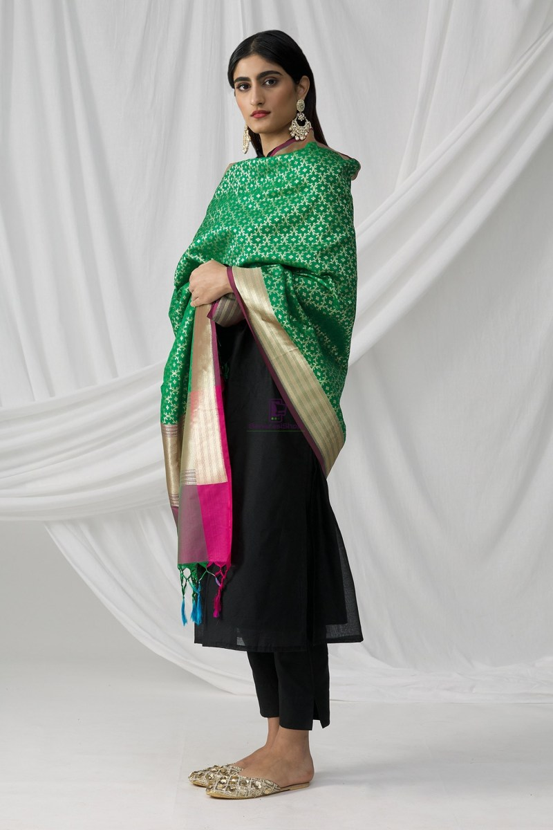 Woven Banarasi Art Silk Dupatta in Green 1